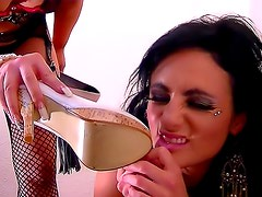 Kinky lesbian play is exciting