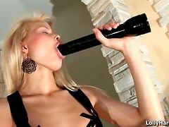 Young solo blonde is a stunner
