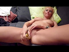 Comida - A banana is all her wet pussy needs