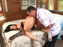 Fuckable brunette hussy Luscious Lopez gets her tasty pussy eaten with pleasure