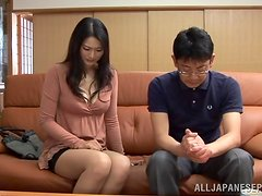 Sexy Kaede Fuyutsuki gives an amazing blowjob to two guys