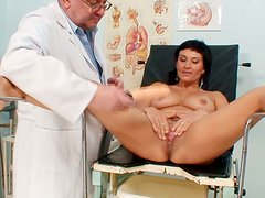 Perverted lady Valentina Rush gets her mature pussy examined and pleased