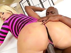 Amazing interracial scene with popular pornstars Julie Cash and Lexington Steele. His gigantic cock is enough