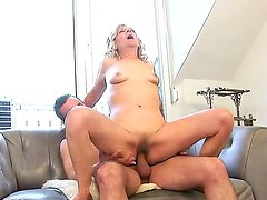 This granny wants to be penetrated hard! Lili was a popular pornstar many years ago, but she