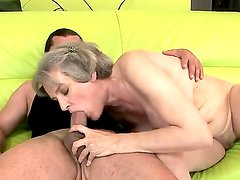 Mature hottie with huge tits Aliz enjoys the