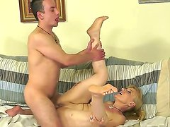 Slutty horny granny has the best time in her