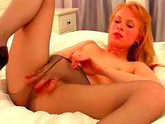 Stunning blonde in dirty solo