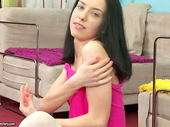 Kinky brunette angel Christi Cats gets balled in her ass
