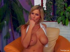 Carol Goldnerova is s sexy big titted euro woman in
