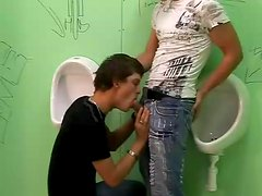 Bathroom twink anal sex as he watches from toilet