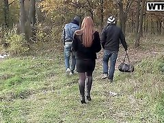 Outdoor amateur action with a gorgeous and