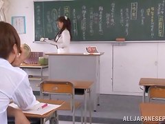 Curvaceous Mako Oda sucks a cock in a classroom