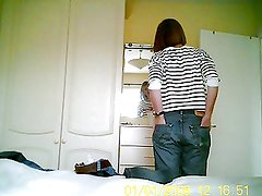 Hidden cam in bedroom catches new GF trying on jeans