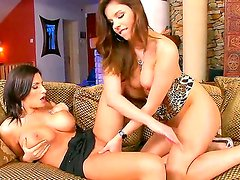 Beautiful brunette babe with sexy natural boobies Janelle is doing an awesome job