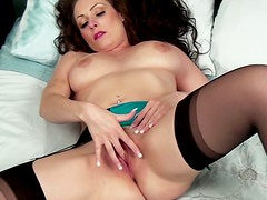Emotional MILF Sophia Delane desires to gain delight by tickling her fancy