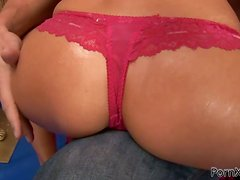 Stunning MILF in Underwear Gets Fucked and Fisted before Facial