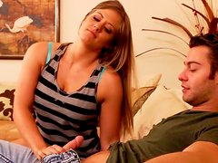 Bronnhead strumpet Holly Heart gives mind-blowing blowjob