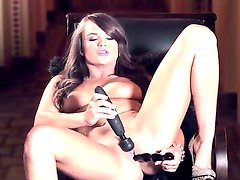 Teal Conrad wants double pleasure for her cunt