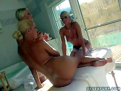 Young smoking hot experienced stunners Sandy and Clara G with