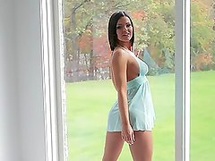 Gorgeous hottie Kory Lyn strips off for her rich dude