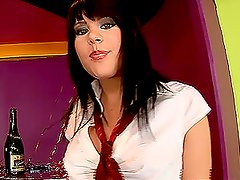 Big boned brunette chick toys with her thatch to cure boredom
