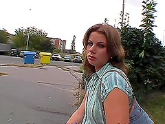 Clear-Eyed Babe Gives Head and Takes a Hardcore Fucking Outdoors in POV