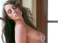 Brown-haired hottie Vanessa Robbins shows off her nice body