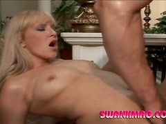 Blonde milf with gorgeous body getting slammed