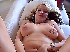 Natasha Skinski sucks a dick before taking it in her snatch