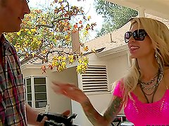 Swimming pool story with horny blond Sarah Jessie