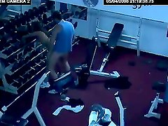 A sexy brunette pleases her insatiable boyfriend in the gym