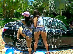 Having a Blast Outdoors with Two Amazing Asses in a Threesome