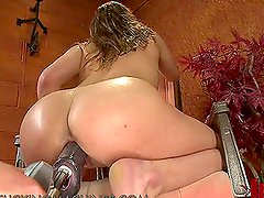 Kinky Brunette Gives Her Wet Pussy a Treat