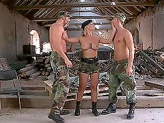 Hot Drill Sergeant Daria Glower Sharing Cocks with Two Guys in Bi Sex Vid