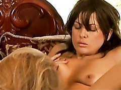 Mia Presley Spreads Her Muff Wide Enough She Cannot Help Screaming Pleasure