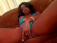 Hawt ebony chick Hypnotiq gives blowjob