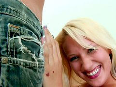 Crooked teeth blonde hoe JC Simpson give a head on POV video