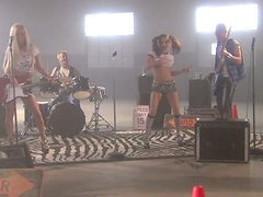 Kinky rock stars Kirsten Price and Lichelle Marie give blowjobs on the stage