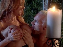 Blondie Janet Mason cheats her husband and sucks a neighbor's cock