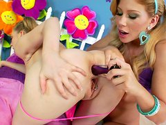 Kagney Lynn Karter and  Brooklyn Lee gaping plays