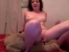 Teen webcam girl fucks teadtbear