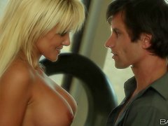 Busted blonde London Reagan seduces and gives a blowjob