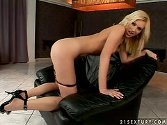Blonde Babe Sticks Dildo In Her Cunt