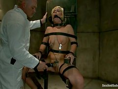 Blondie agrees for a bondage sex and gets paid well