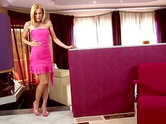 A hot teen is looking pretty in pink when she masturbates