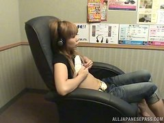 Horny teen fiddles with her pretty little pussy