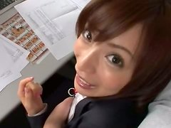 To relax this horny office hussy likes to give blowjobs