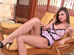 Fingering fun with a stunning beauty all alone
