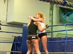 Nude Fight Club backstage with Lucy Belle and Donna Bell