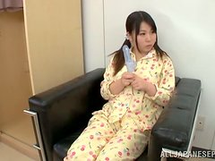 Doctor - A cute Asian teen and her mother share the doctor's dong